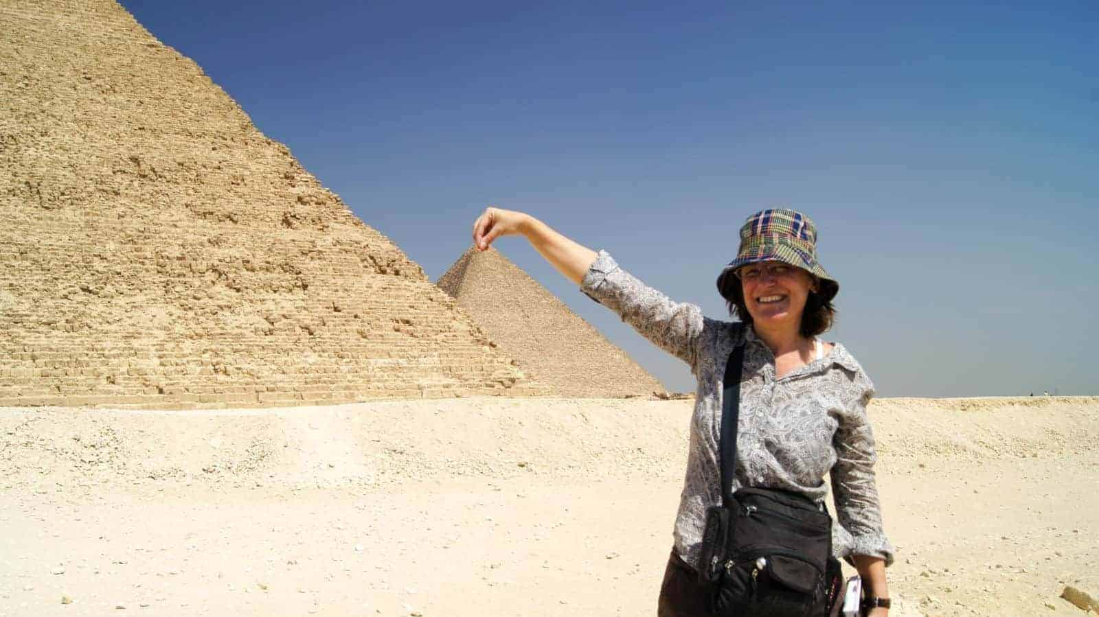 cropped Zora ONeill at the Pyramids credit Abdallah